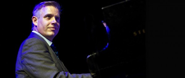 SUNDAY JAZZ LUNCH: 100 Years of Jazz Piano with James Pearson