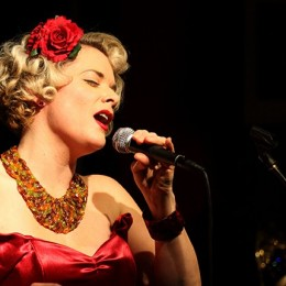 SUNDAY JAZZ LUNCH: Have a Swingin' Christmas with Kai Hoffman  and her Tribute to Keely Smith