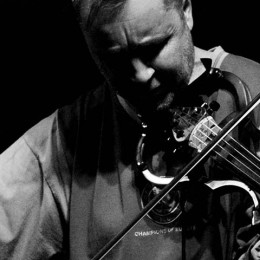 Nigel Kennedy plays the music of Krzysztof Komeda (Rosemary's Baby, Knife in the Water, bebop)